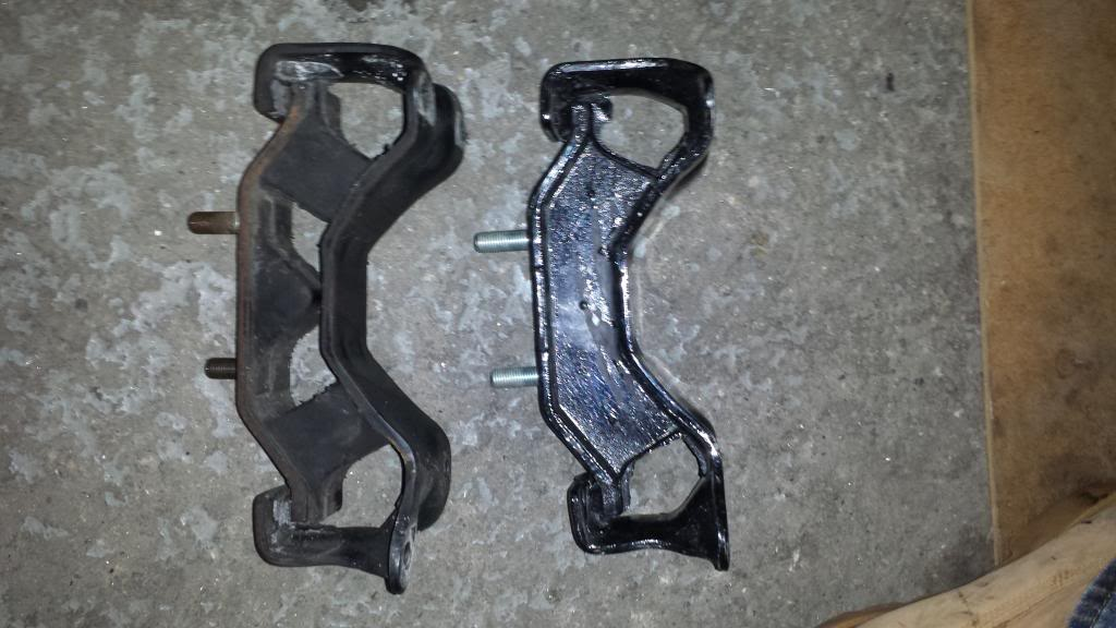 Group N: Stock transmission mount on the left. STi Group N transmission mount on the right.